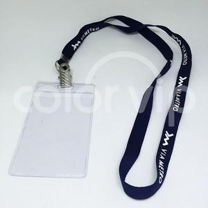 Porta crachá com cordão personalizado